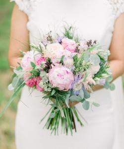 Bruidsboeket rosé en lila tinten